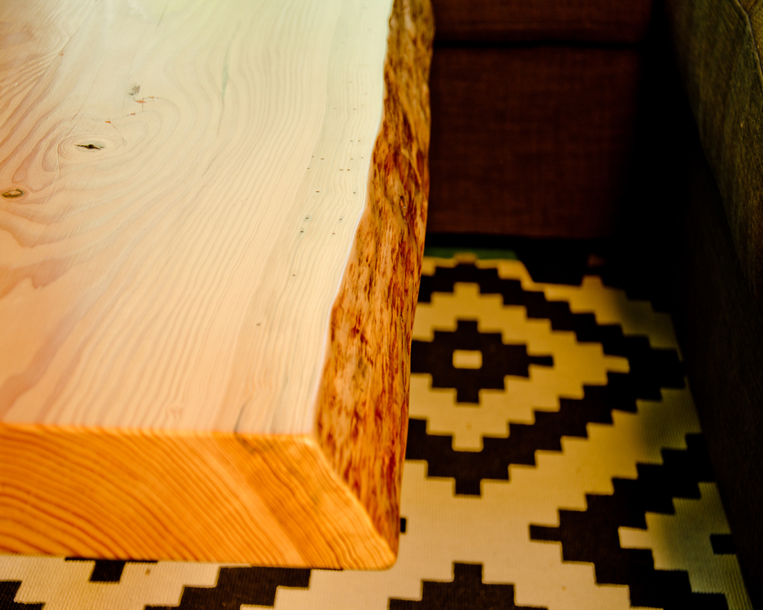 Desk Bar - corner view - custom furniture by Blueline Contracting